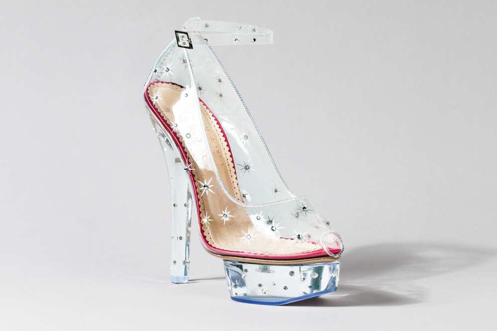 louboutin chaussure en verre