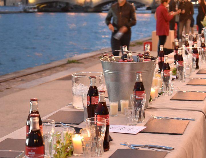 (Français) La grande tablée: le dernier diner de l'été.